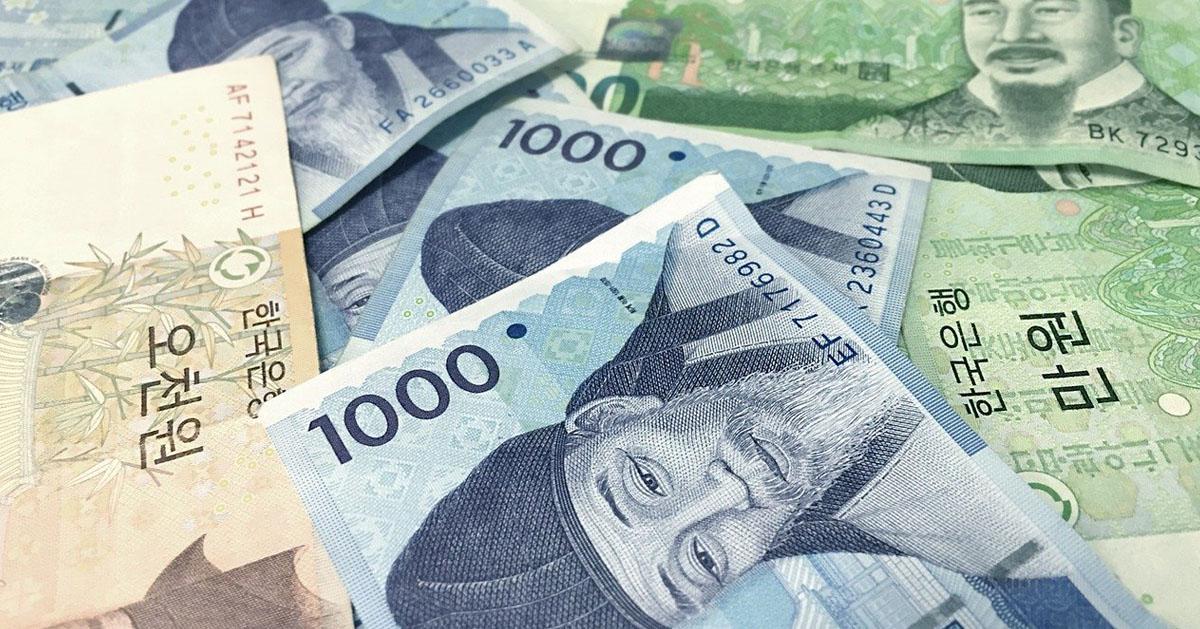 韓国の通貨ウォン紙幣がばらまかれた画像