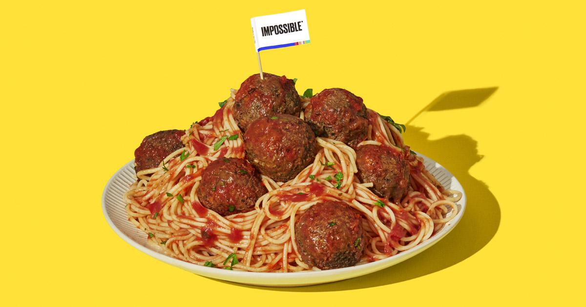 インポッシブル・フーズの牛ひき風植物由来肉をつかってつくったミートボールがはいったスパゲッティの写真