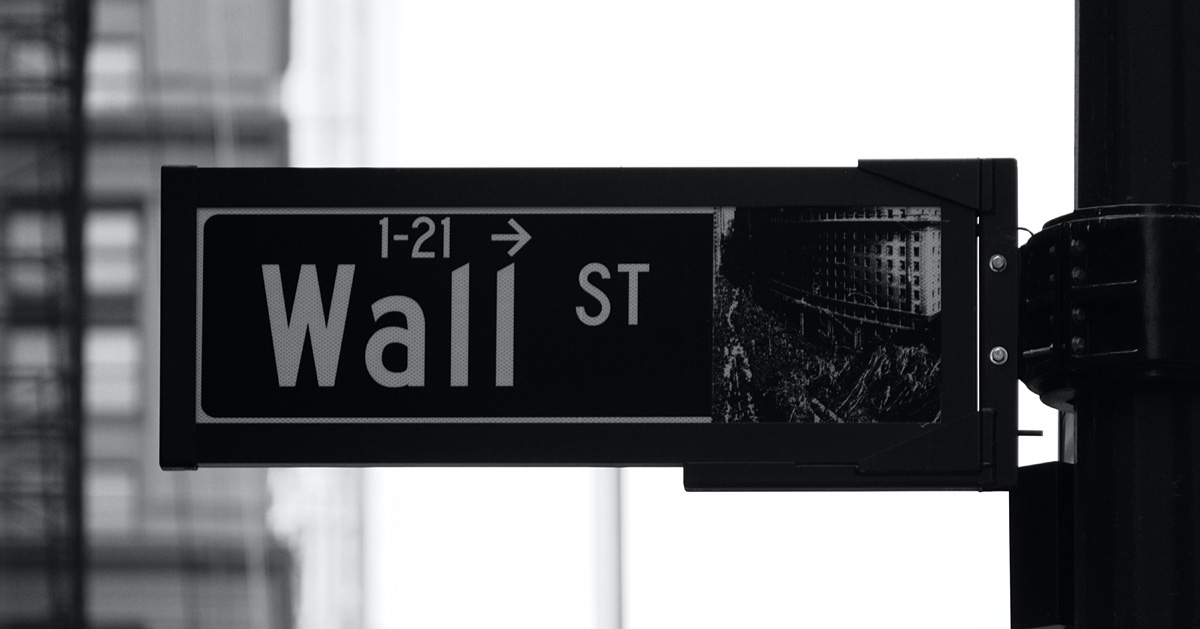 米国ニューヨーク州ウォールストリートの通りにある1-21番地を示す看板